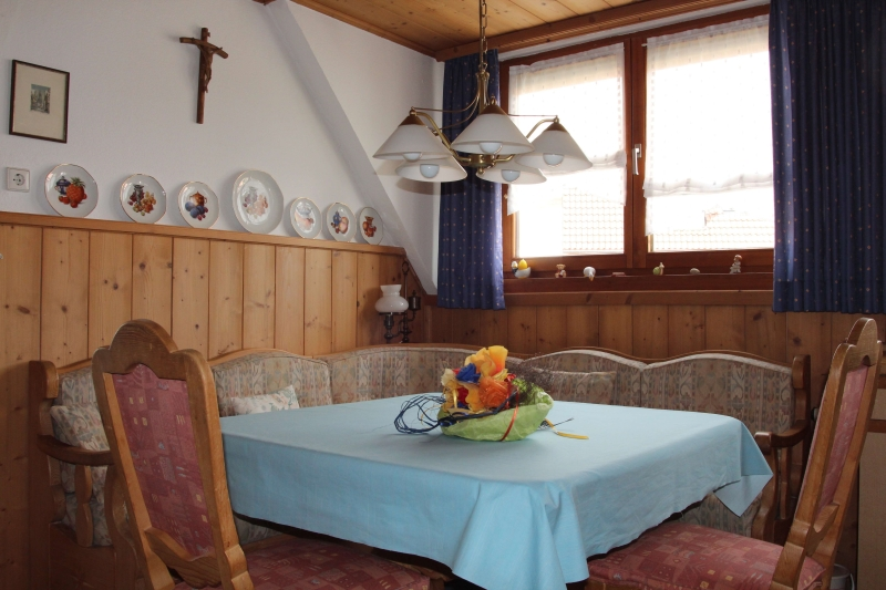 Ferienwohnung Cramer in Ottobeuren - Sitzecke in der Küche